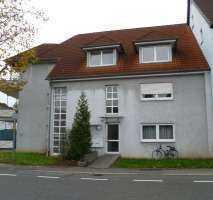 Sanierte 1-Zimmer-DG-Wohnung (komplett möbliert)