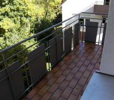 Freie 2-Zimmer-Wohnung zum Wohlfühlen in ruhiger Lage mit Balkon