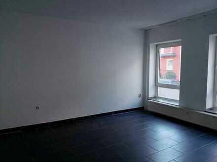gut aufgeteilte 3 Zimmer-EG Wohnung ab sofort zu vermieten.