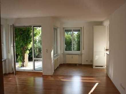 Sehr schöne 2-Zimmer Erdgeschoss-Wohnung mit abgeschlossenem Garten