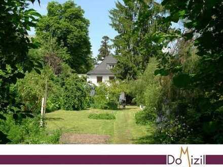 Dornröschenschlaf: Repräsentatives Stadthaus in idyllischer Dorflage