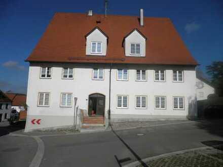 3 u. 4 - Zimmer Wohnungen im Unterallgäu, Kirchhaslach - Für Selbstrenovierer!