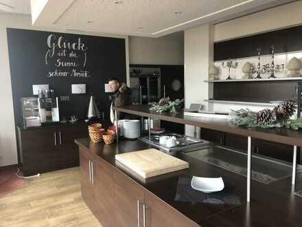 Restaurant und Küche komplett