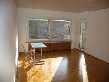 Schöne drei Zimmer Wohnung in Rhein-Erft-Kreis, Kerpen