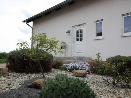 Einfamilienhaus mit Garage und Wärmepumpe, sofort beziehbar!