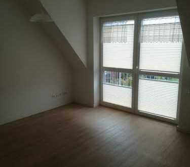 Freundliche 2-Zimmer-Senioren-Wohnung mit Balkon und Einbauküche in Marienhafe
