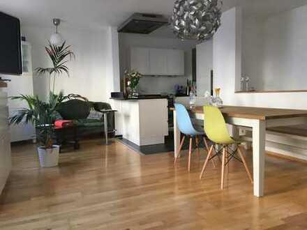 Perfekte 3-Zimmer-Maisonette-Wohnung mit EBK in Bestlage Lehel (direkt am Englischen Garten) München