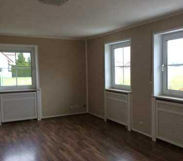 Ansprechende 3-Zimmer-EG-Wohnung mit Balkon und EBK in Klosterlechfeld