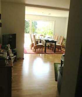 Sanierte 2,5-Zimmer-Wohnung mit Balkon und Einbauküche in Karlsruhe-Neureut