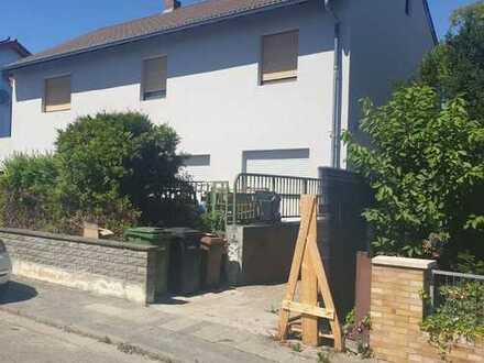 Erstbezug nach Sanierung: Fünf-Zimmer-Wohnung in Lampertheim-Hofheim zu vermieten