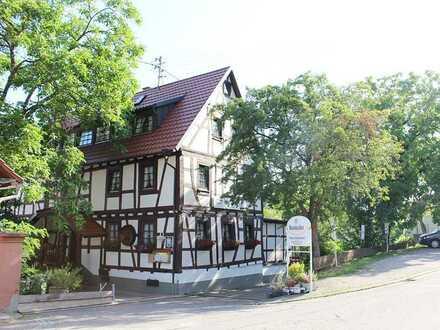 Dörrenbach: Familiärer Gastronomiebetrieb mit Pension