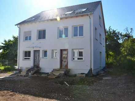 Erstbezug: Neubau DHH in Filderstadt-Sielmingen mit Garage zu vermieten