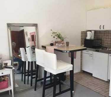 Helle 1-Zimmer-Wohnung mit Balkon und EBK in Marburg