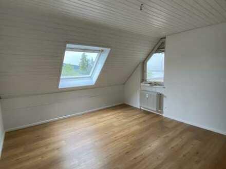 Vollständig renovierte 3-Zimmer-Maisonettewohnung mit Balkon, TG- Stellplatz und EBK in Waldshut.