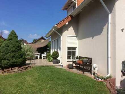 Schönes Einfamilienhaus mit sieben Zimmern in Pforzheim, Huchenfeld