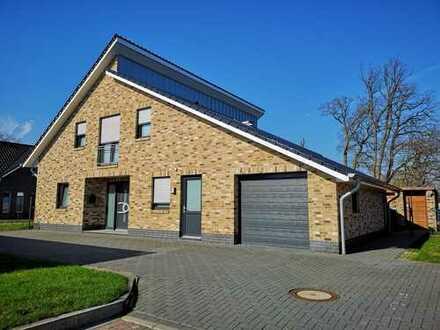 # # # Neuwertiges EFH m. Garage in ruhiger Wohnsiedlung in Essen/Oldenburg zu verkaufen. # # #