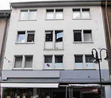 Große 2,5-Zimmer-Wohnung mit Balkon in der City!