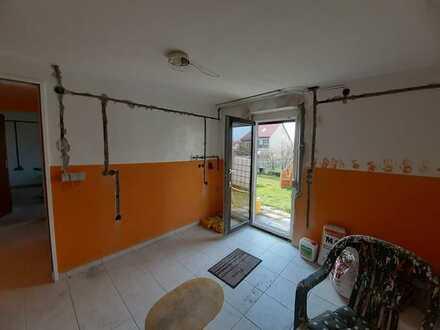 Erstbezug nach Sanierung: ansprechende 2-Zimmer-Wohnung mit Balkon in Burgbernheim