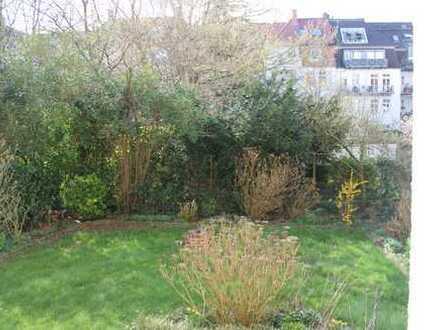 Frisch sanierte 4 Zimmer Wohnung im Kreuzviertel mit Balkon und alleiniger Gartenbenutzung