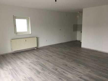 Schnöne große 1 Zimmer Wohnung mit Balkon zu vermieten