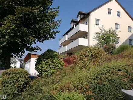 Zwei-Zimmer-Souterrain-Wohnung mit Terrasse