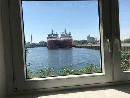 Gewerbe-Atelier mit Blick auf den Hafen