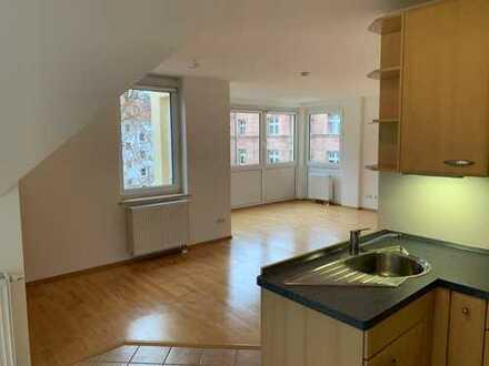 890 €, 87 m², 3 Zimmer