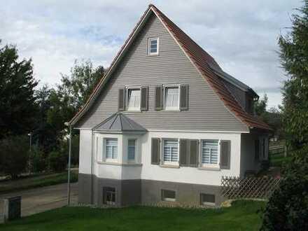 Haus mit viel Platz und schönem Garten