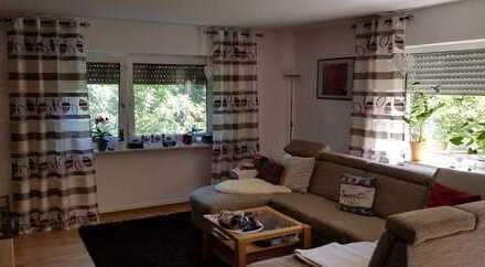 Gepflegte 4-Zimmer-Wohnung mit Balkon und EBK in Valwiger Berg // Cochem