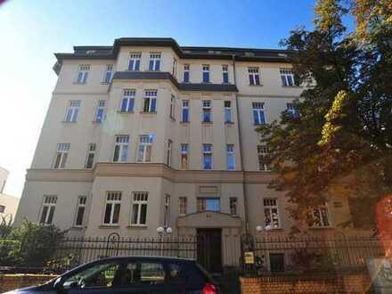 Schicke 4- Zimmer Wohnung mit zwei Balkonen in Leipzig - Gohlis sucht Familie.
