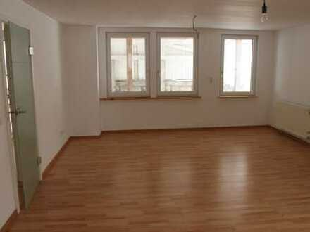 Gut ausgestattete zwei Zimmer Wohnung plus Wohnkücke und Carport, Schonach im Schwarzwald