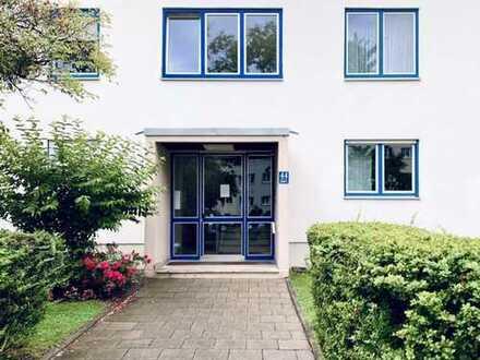 Stilvolle, geräumige und gepflegte 1-Zimmer-EG-Wohnung mit Terrasse und EBK in Laim, München