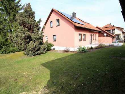 Hier wohnen Sie gerne | Großzügiges Wohnhaus mit Doppelgarage