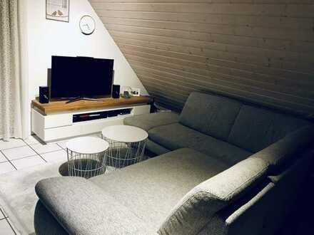 Exklusive 2-Zimmer-DG-Wohnung mit Balkon und Einbauküche in Gäufelden
