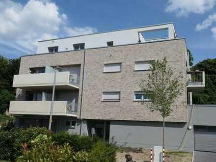 ruhige, gut geschnittene 3 Raum Neubau-Wohnung mit 2 Terrassen