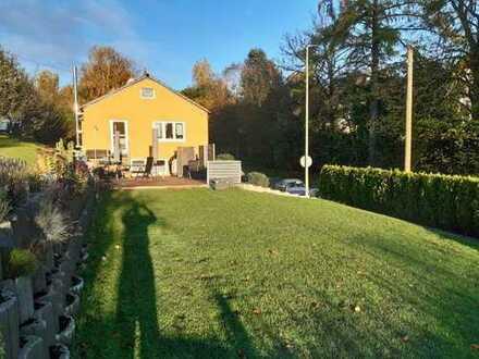 Zauberhaftes Zuhause mit kleiner Ferienwohnung & schönem Garten!
