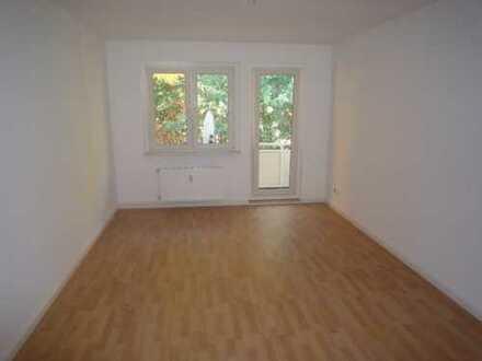 Bild_Besichtg.: 19.10.18 um 12 Uhr- Wohnen im Grünen, 3-Zi.-Wohnung mit Balkon, Hennigsdorf