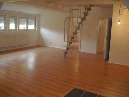 Grundsanierte 3-Raum-DG-Wohnung mit Einbauküche in Wiesloch