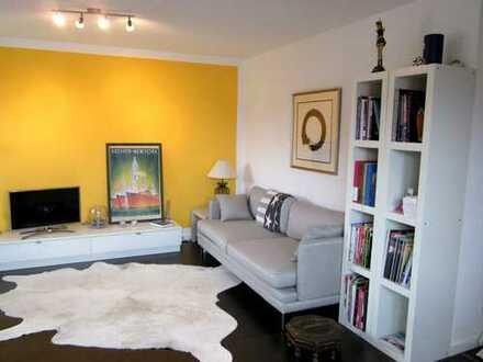 Gepflegte 2,5-Zimmer-Wohnung mit Penthouse-Charakter und großer Dachterrasse.