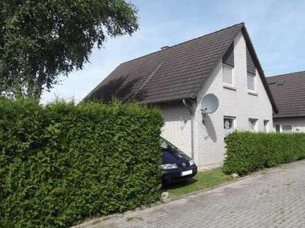 solides Einfamilienhaus - verkehrsgünstig zu Oldenburg und Brake