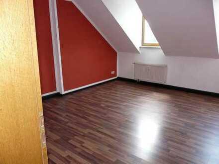 hübsche kleine Dachgeschoss Wohnung