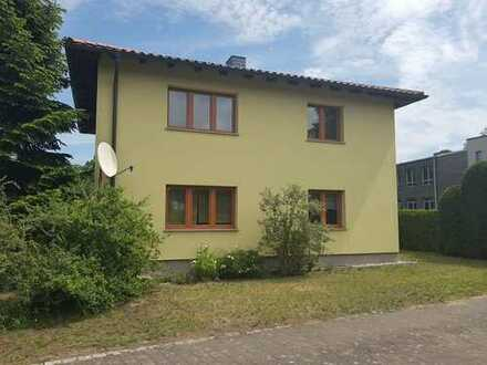 Schönes Haus mit vier Zimmern in Oder-Spree (Kreis), Fürstenwalde/Spree, - von privat-