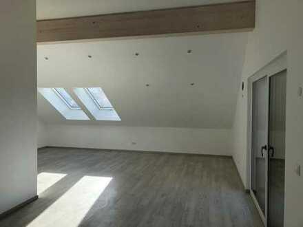 Erstbezug mit Einbauküche und Loggia: helle 3-Zimmer-Studio-Wohnung in Öllingen