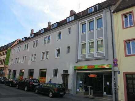Ladengeschäft in zentraler Lage von Würzburg, zwischen Marktplatz und Juliuspromenade