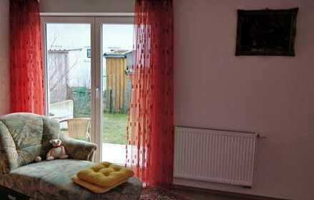 Gepflegte 3-Zimmer-EG-Wohnung mit 2 Terrassen und Einbauküche in Dietenheim