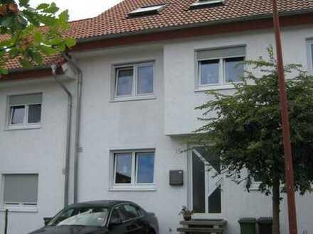 Vollständig renoviertes 5-Zimmer-Reihenhaus mit EBK in Mühlhausen