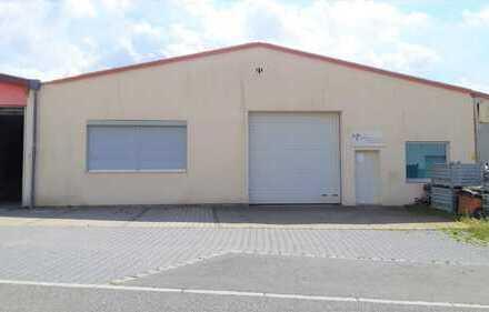 Werkshalle / Produktionshalle / Lagerhalle mit Büros zwischen Neumarkt und Nürnberg