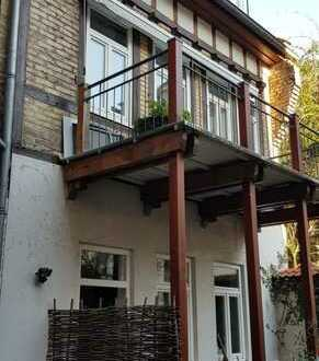 Für Altstadtliebhaber mit Ruhebedürfnis! 3-Zimmer-Haus im Hinterhof mit einmaligem Schlossblick