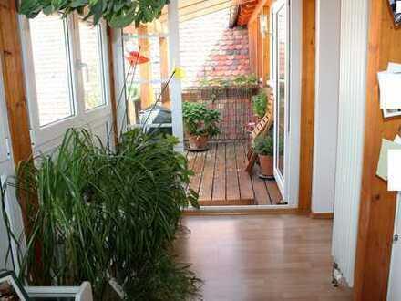 Gepfleget Maisonette Wohnung mit Einbauküche und Dachterrasse