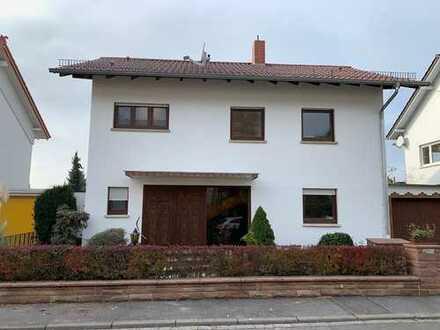 Kernsaniertes 7 Zimmer Einfamilienhaus in Leimen